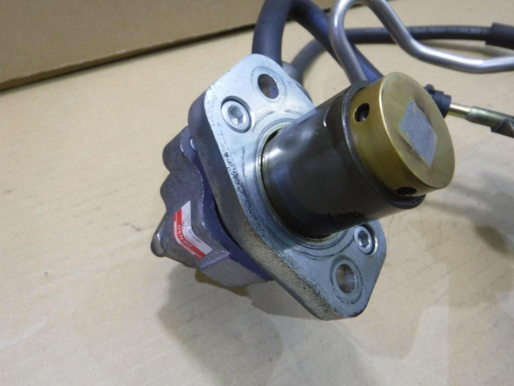 ノア AZR60 中古パーツ エンジン側高圧燃料ポンプ