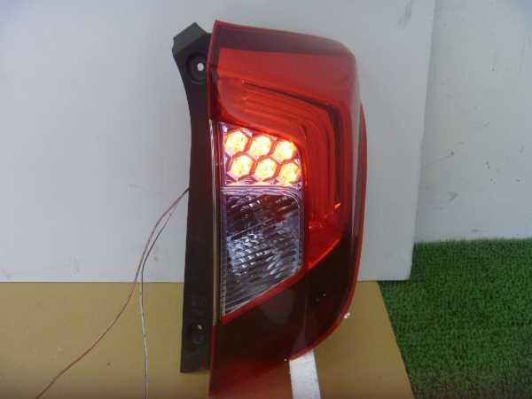 フィット GP5 テールランプ