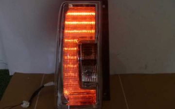 タントカスタム LA610S LEDテールランプ