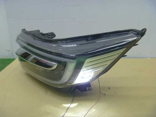 ステップワゴンスパーダ RP5 ヘッドライト