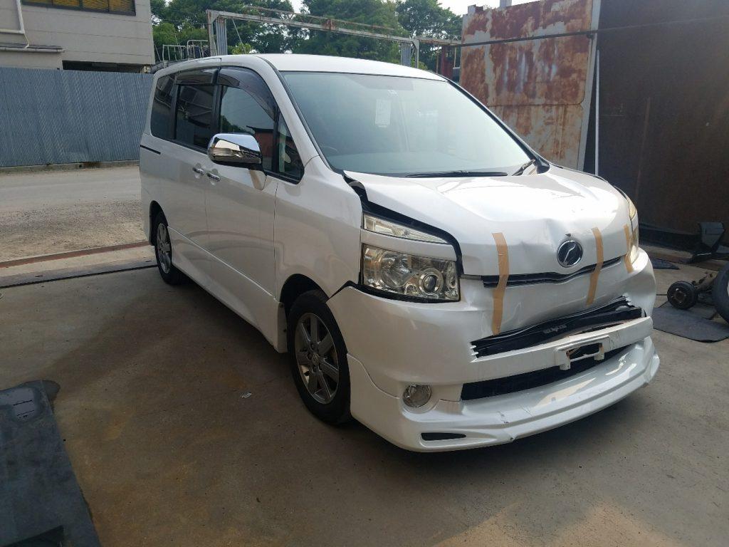 神戸廃車買取 トヨタ ヴォクシー ZRR70W