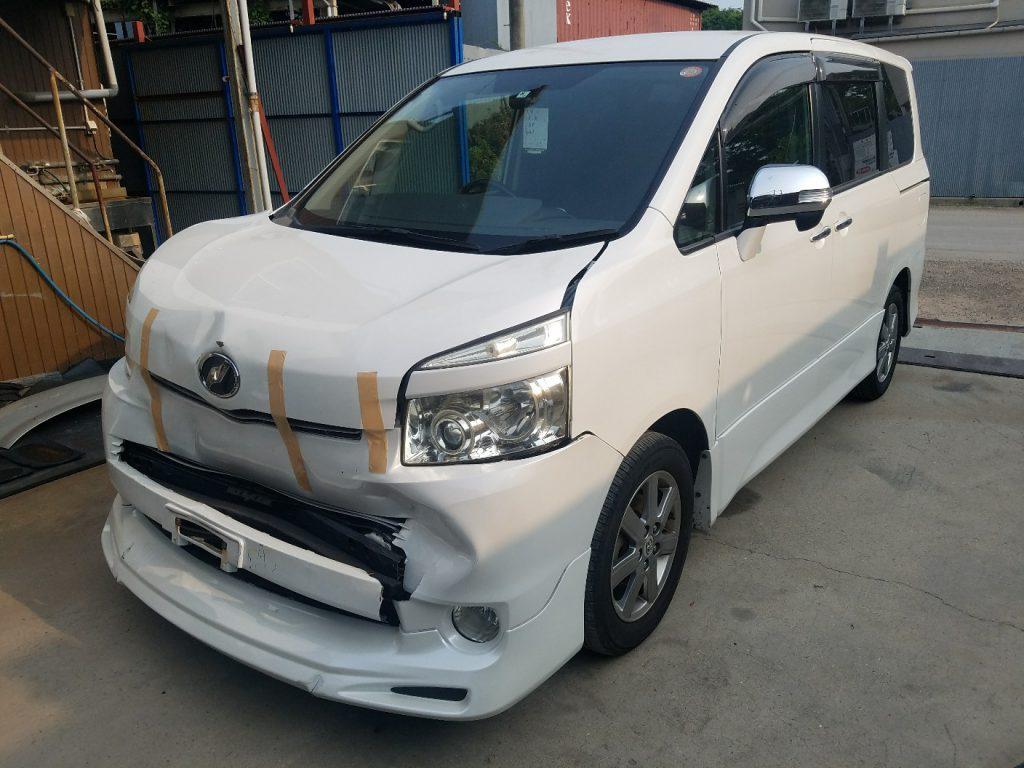 兵庫廃車引取 トヨタ ヴォクシー ZRR70W