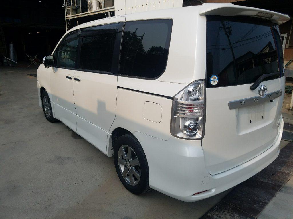 兵庫廃車買取 トヨタ ヴォクシー ZRR70W