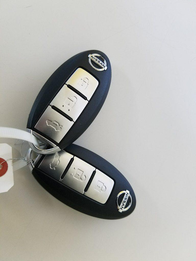 日産 フーガ Y50 トランクボタン付キーレスリモコン